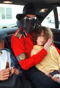 Michael Jackson and Guests Leaving Nice After WMA's 1993