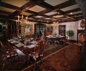 Voices For Michael - Page 3 Neverland-house-dining-room-neverland-valley-ranch-19500496-670-555