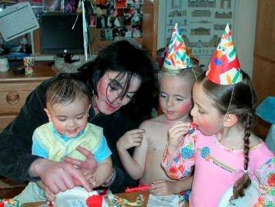 MJ and his children 3