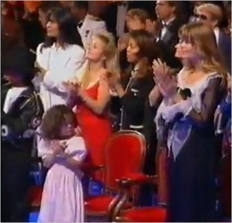 June Chandler (wearing white) is with her kids at the World Music awards ceremony