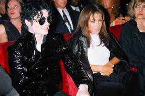 The 1995 MTV video awards ceremony. Both of them are utterly unhappy and even pretending doesn't help...