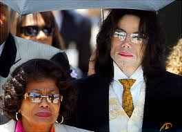 MJ and Katherine exit courtroom