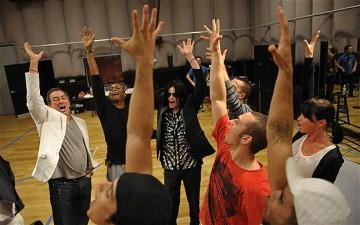 Twelve dancers were finally chosen in May 2009