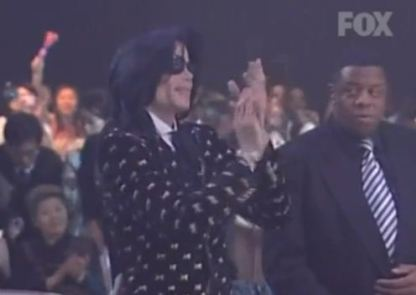 Japan 2007, at a VIP party Michael had nothing to do but clap his hands and make a short speech
