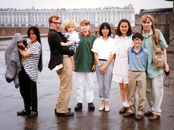 Woody Allen holds Dylan, Leningrad 1987