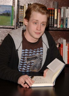 Macaulay Culkin signs copies of his book, 2006