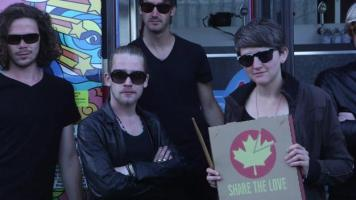 "Macaulay Culkin's comic band ""Pizza Underground"""