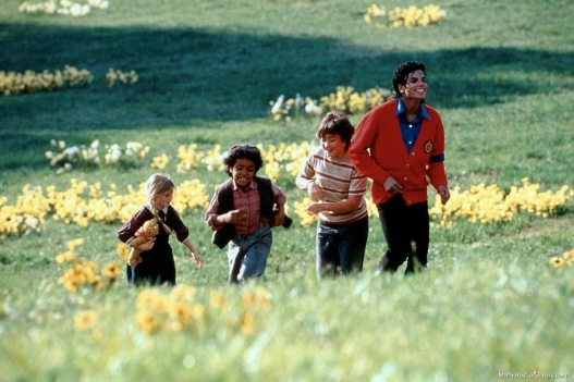 The Moonwalker gang - Kellie Parker, Brandon Adams, Sean Lennon and MJ