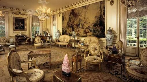 French drawing-room in Hillwood PHOTO: http://www.hillwoodmuseum.org/about-hillwood/mansion/french-drawing-room