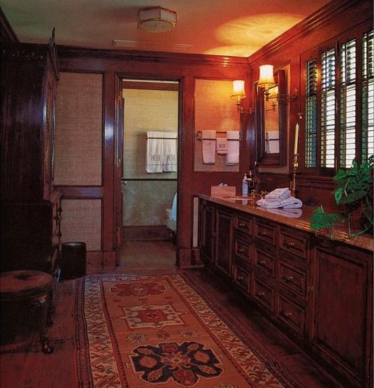 neverland-bathroom-the-old-brochure