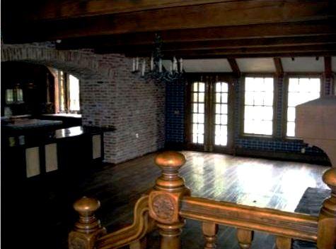 neverland-kitchen-and-breakfast-room