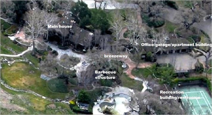 neverland-residential-area-in-winter-captions