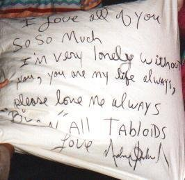 Pillow signed by MJ